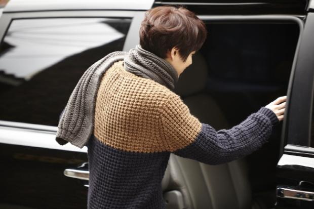 Staff_diary_update_kyuhyun_at_gwanghwamun_ (11)