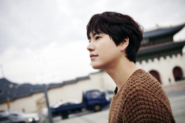 Staff_diary_update_kyuhyun_at_gwanghwamun_ (12)