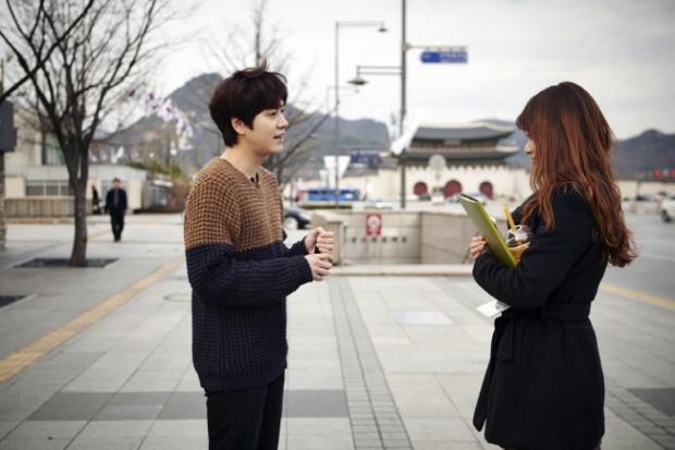 Staff_diary_update_kyuhyun_at_gwanghwamun_ (4)