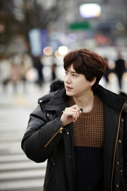 Staff_diary_update_kyuhyun_at_gwanghwamun_ (5)