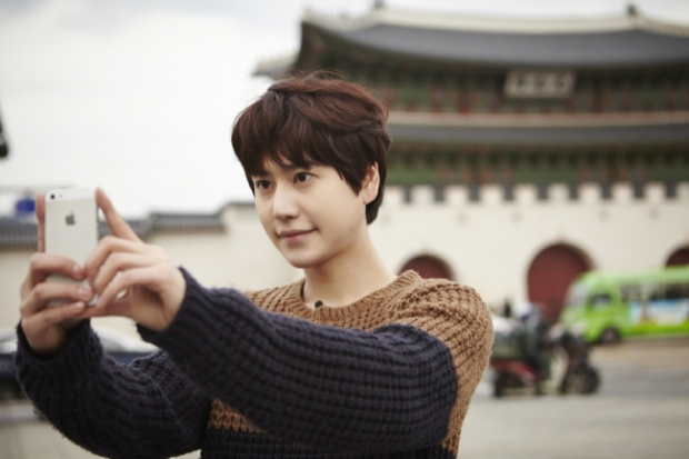 Staff_diary_update_kyuhyun_at_gwanghwamun_ (8)
