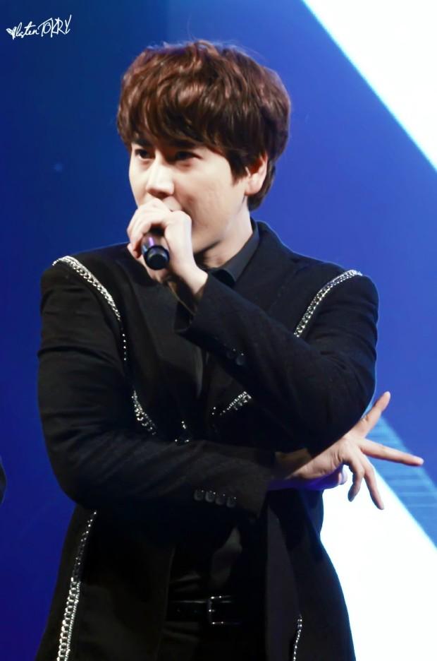150124_lotte_fanmeet_Kyuhyun (1)
