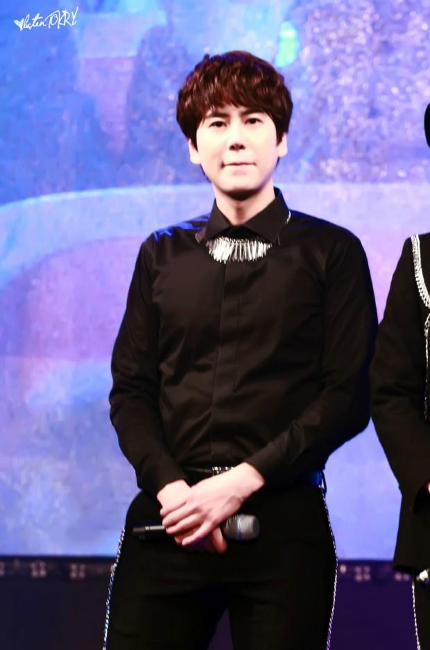 150124_lotte_fanmeet_Kyuhyun (4)