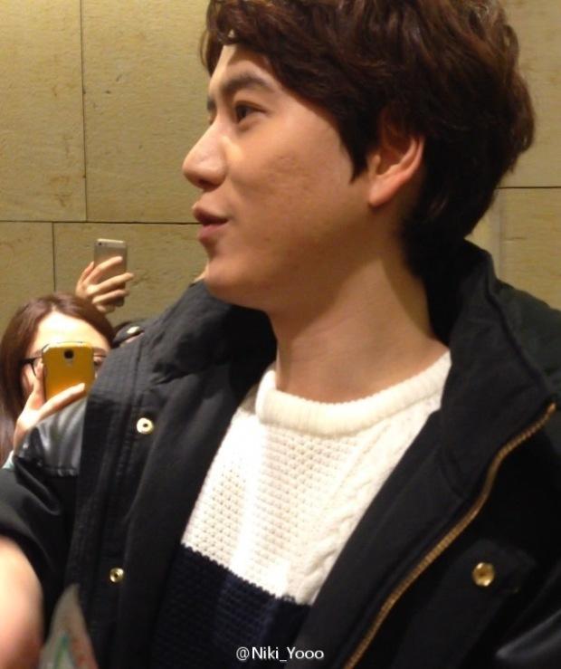 150127_kyuhyun_after_robin_hood_musical (11)