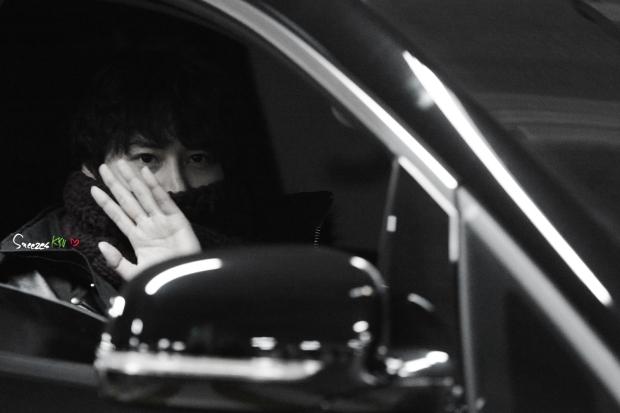 150131_after_musical_robinhood_kyuhyun (2)