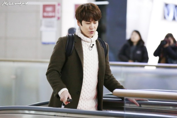 150201_kyuhyun_incheon_to_india (1)