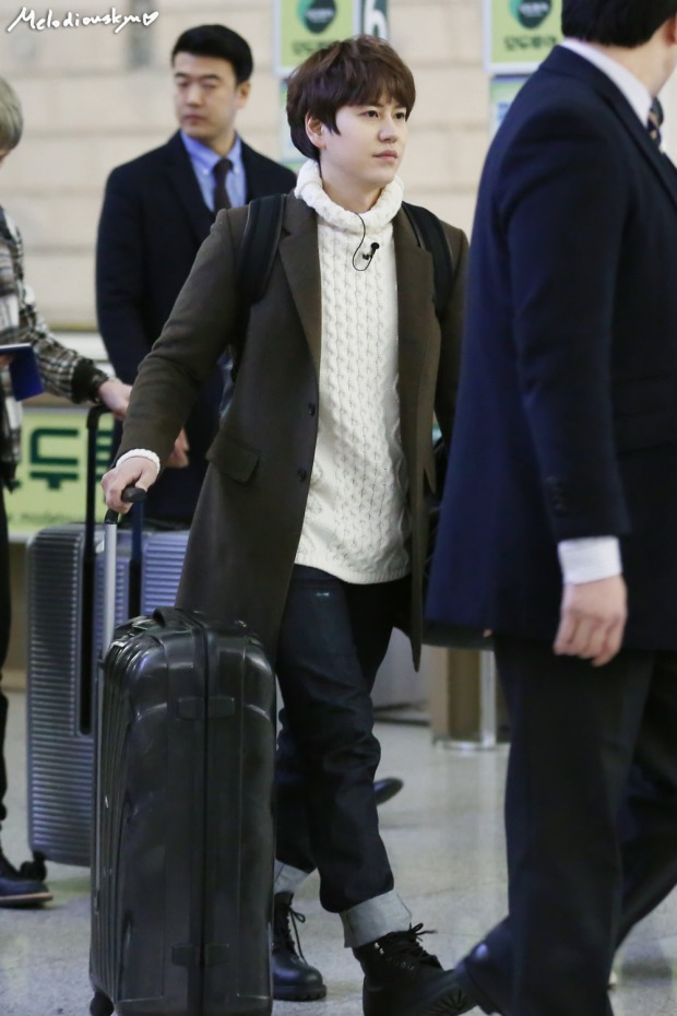 150201_kyuhyun_incheon_to_india (3)