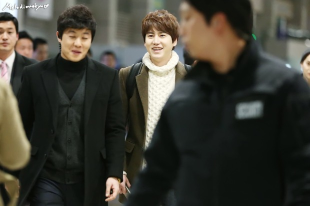 150201_kyuhyun_incheon_to_india (4)