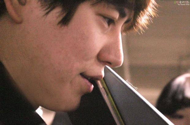 150213_kyuhyun_after_robin_hood_musical (4)