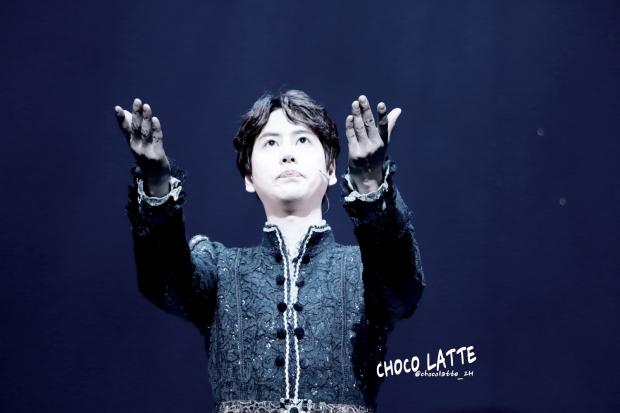 150313_kyuhyun_robin_hood_musical_curtain_call